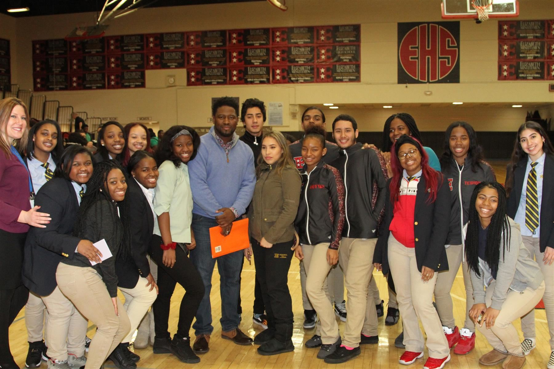 Motivational Speaker CJ Beatty speaks with Elizabeth Student Athletes