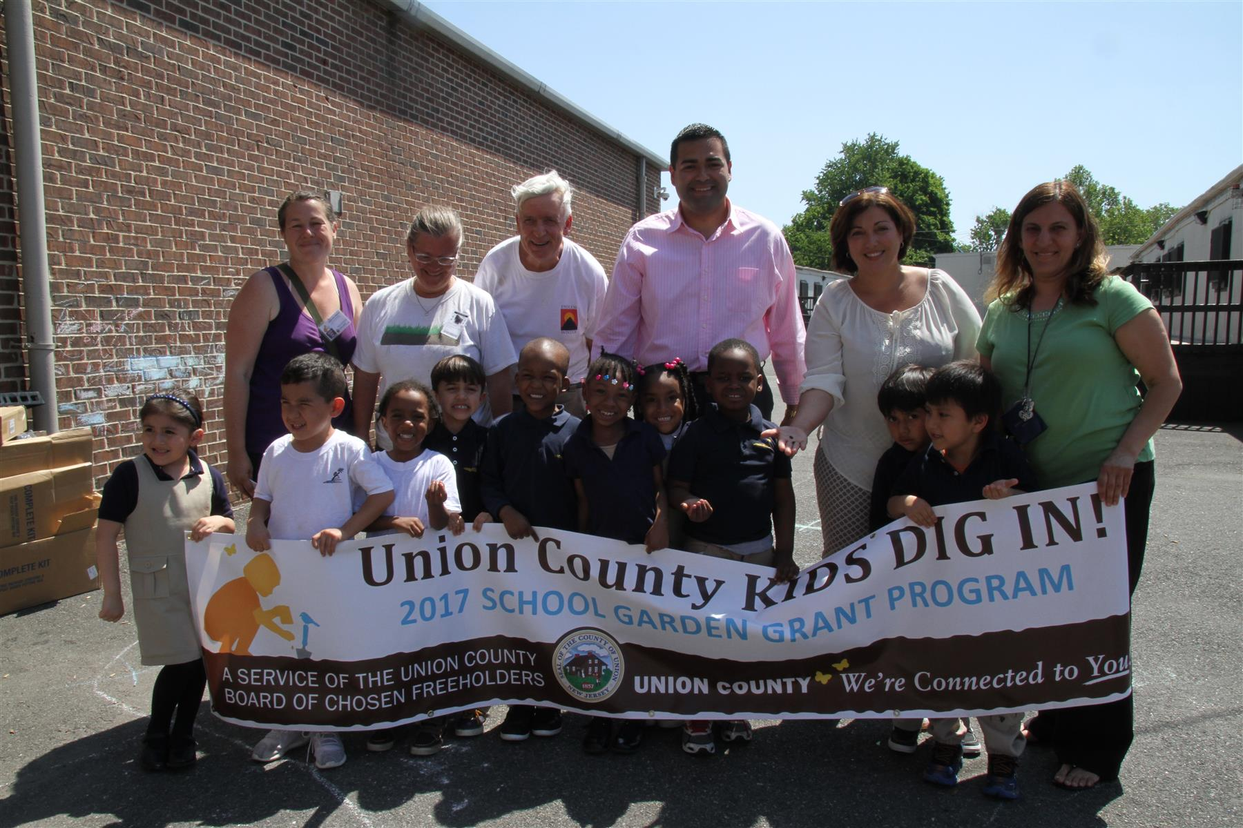 "EPS Participates in ""Union County Kids Dig In"""
