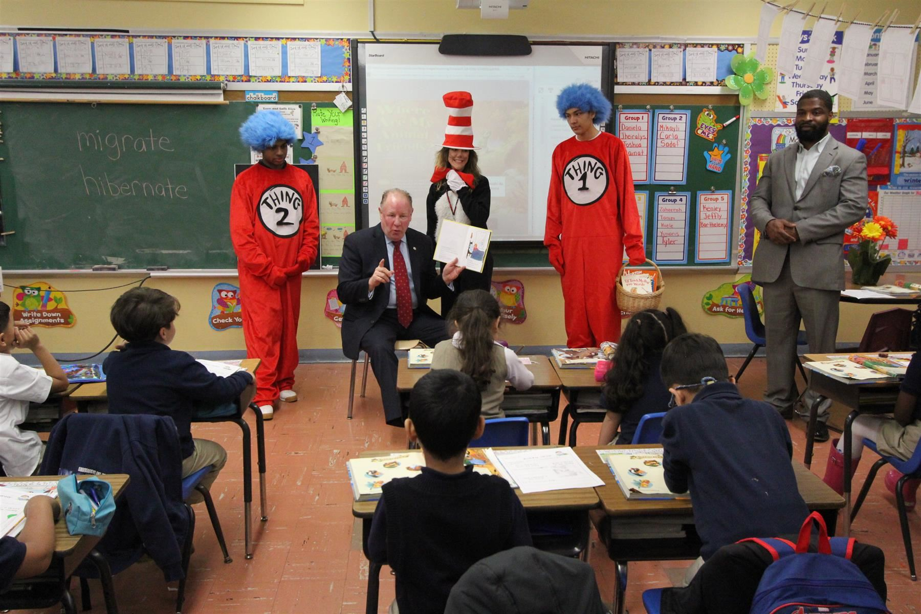 Mayor Visits School 23 for Read Across America