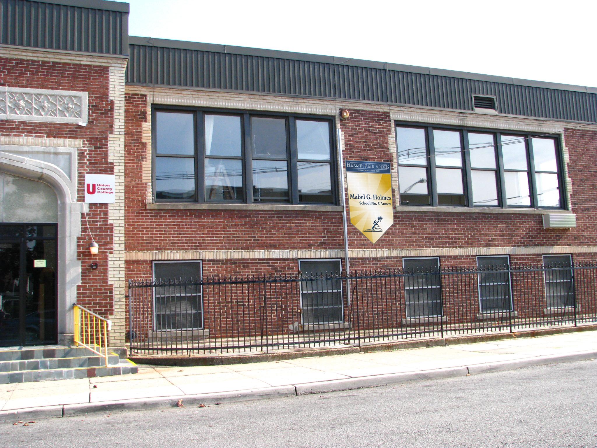 Mabel G  Holmes School No  5 / Homepage